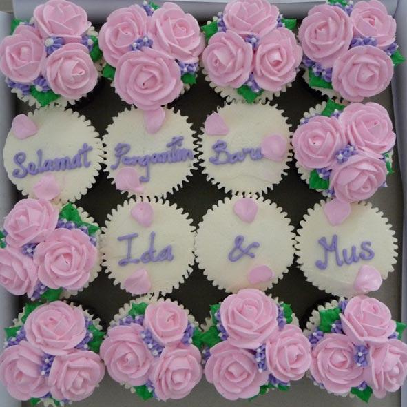 hantaran-cupcake-roses.jpg